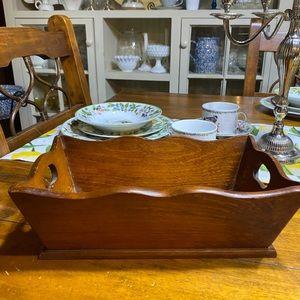 Vintage wooden scalloped decorative box
